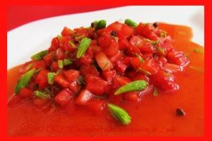 4-tartare de fraises à la vinaigrette de pousses de sapin OK